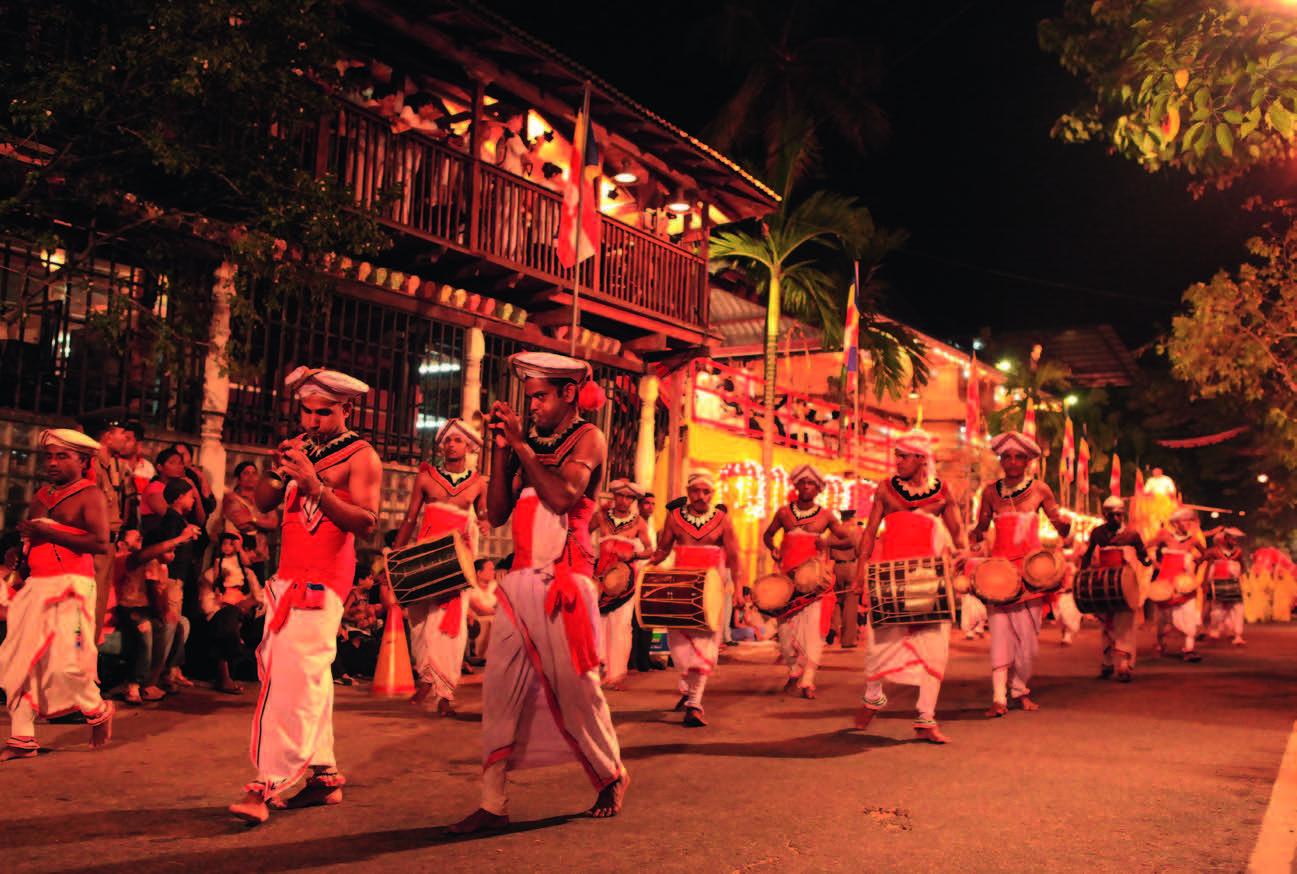 Dramblių paradas Kandi mieste