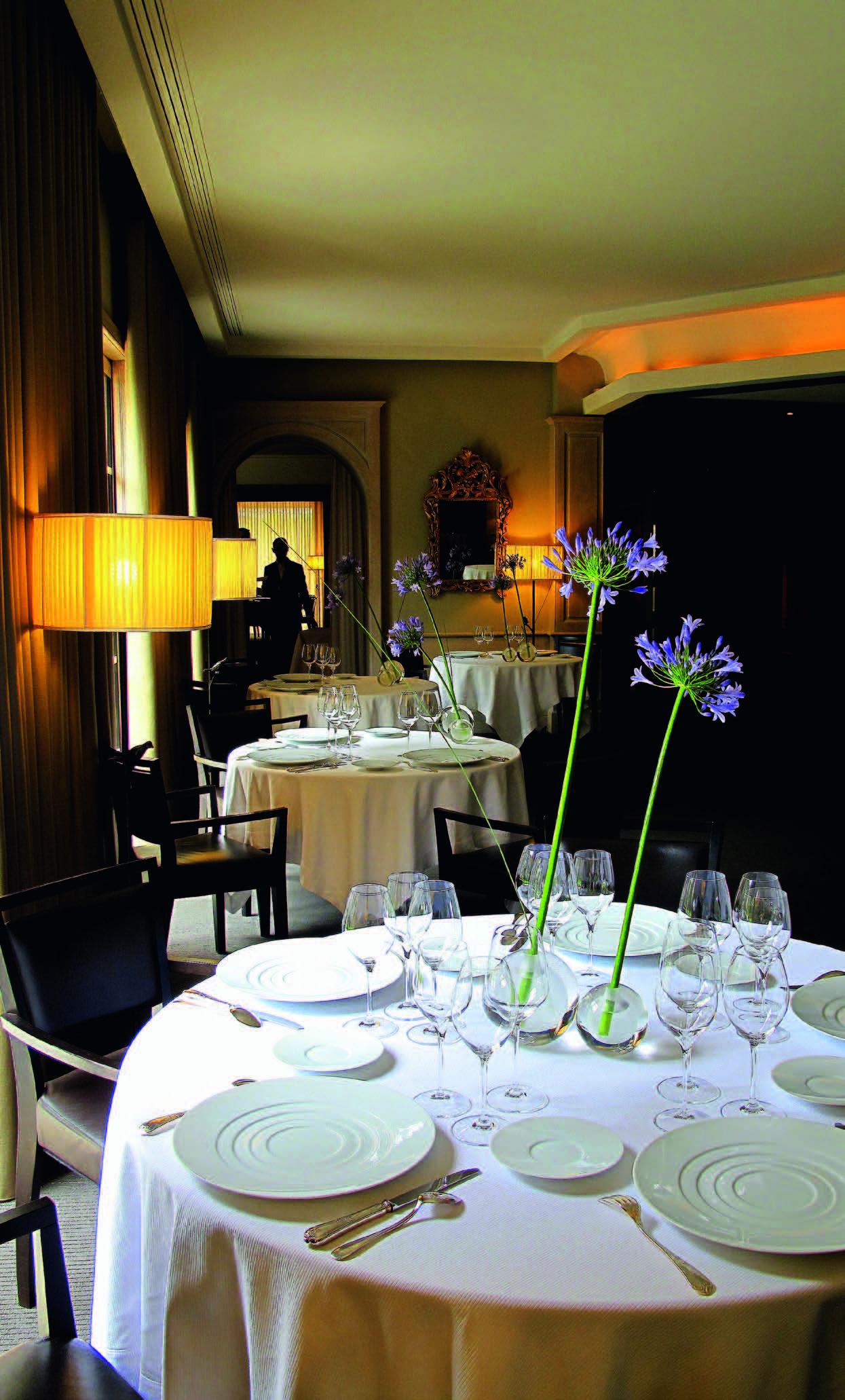 "Restorano ""Maison Pic"" Valanso mieste interjeras"