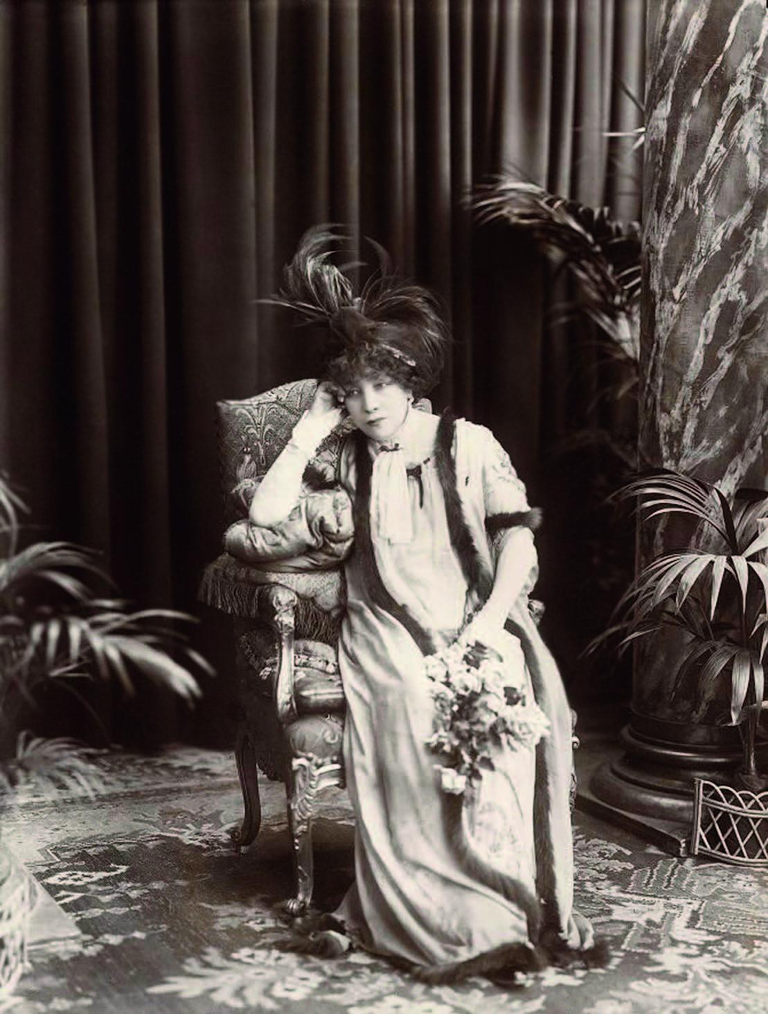 "Sarah Bernhardt, kuriai buvo sukurtas vištienos patiekalas ""Beautiful Helen"""