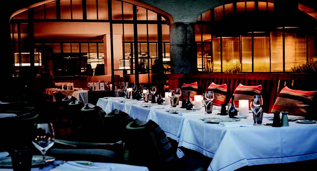 """A. Ducasse'ui priklausantis """"Rivea"""" restoranas San Tropeze siūlo pasivaišinti Viduržemio jūros regiono patiekalais"""