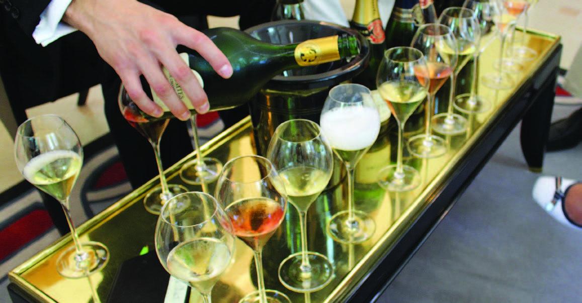 """Jei demonstruosite savo žinias, gausite paragauti daugiau įspūdingo vyno. Degustacija """"Taittinger"""" šampano namuose"""