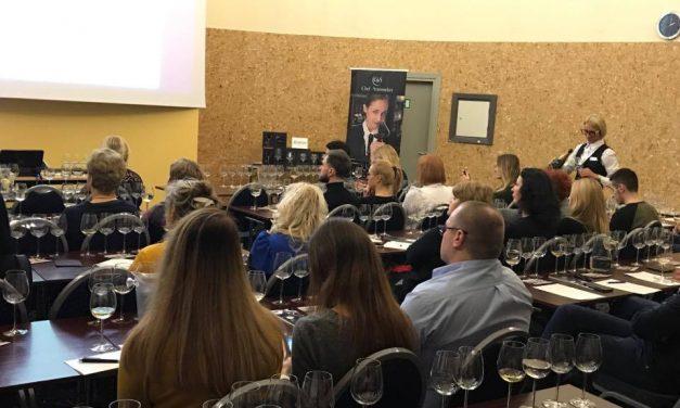 HORECA atstovus subūrė pažintinė putojančių vynų bei šampano degustacija