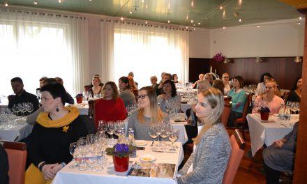 Restoranų atstovai gilino žinias apie vyno ir maisto derinimą