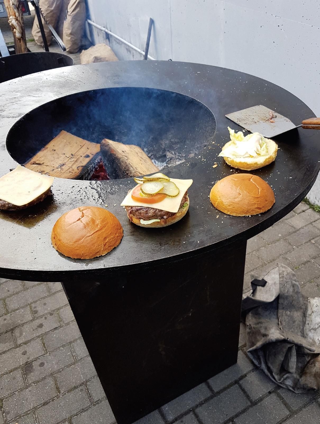 """""""Jungent"""" Lietuva asortimente - trijų tipų jautienos ir giliai šaldytų norvegiškų lašišų maltiniai bei vegetariški paplotėliai ir veganiški daržovių kukuliai"""