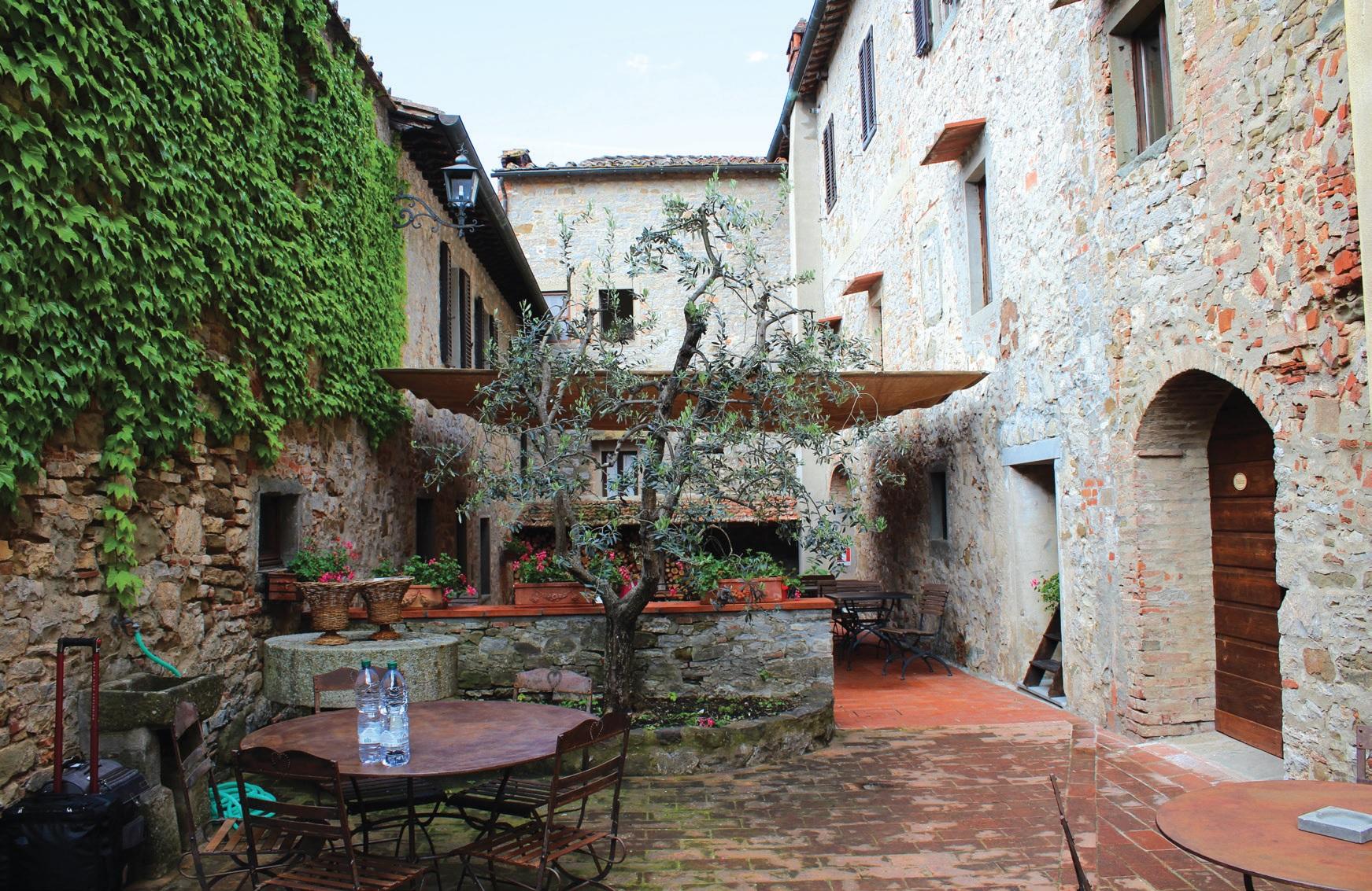 Albolos pilis (Castello di Albola) – tipiškos toskanietiškos architektūros pavyzdys