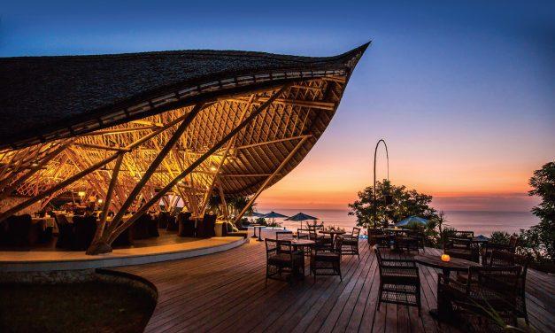 """""""Suarga Padang Padang"""" – Balio bambukinės architektūros šedevras ir ramybės šventovė"""
