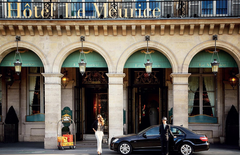 """Viešbutis """"Le Meurice"""" Paryžiuje, kurio restorane pagrindiniu konditeriu dirba C. Grolet"""