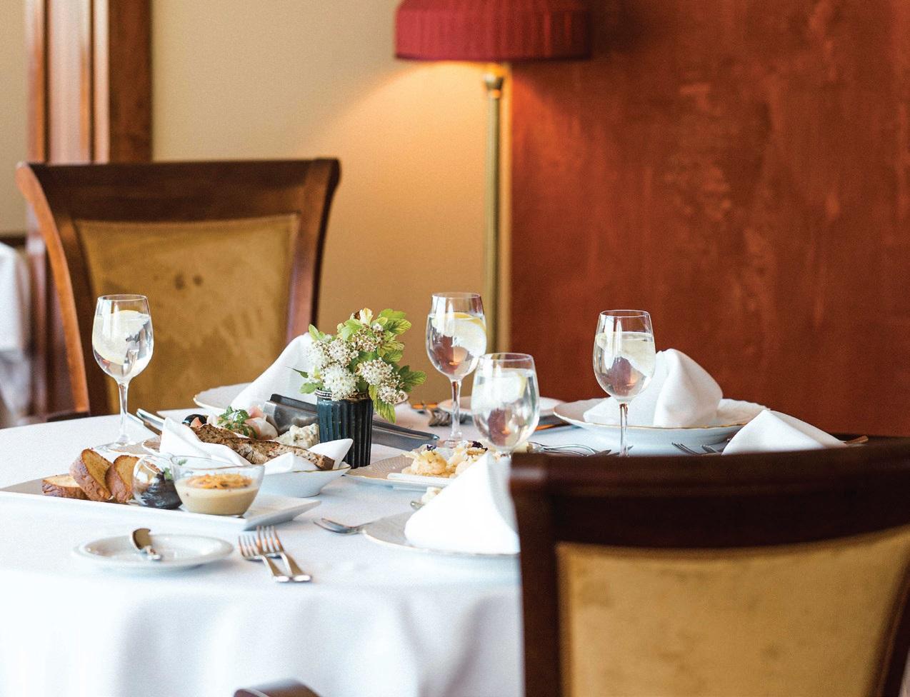 """Restorane """"Simboly"""" telpa iki 100 svečių. Tomas&Lukas nuotr."""