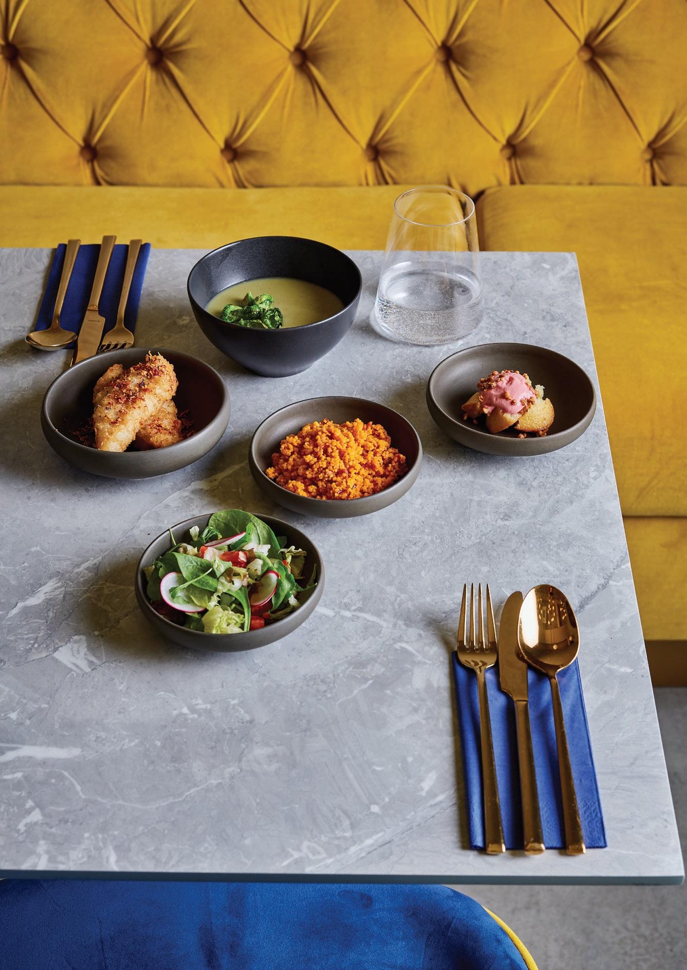 Verslo pietūs ir vėlyvieji pusryčiai patiekiami dubenėliuose. Roberto Daskevičiaus nuotr.