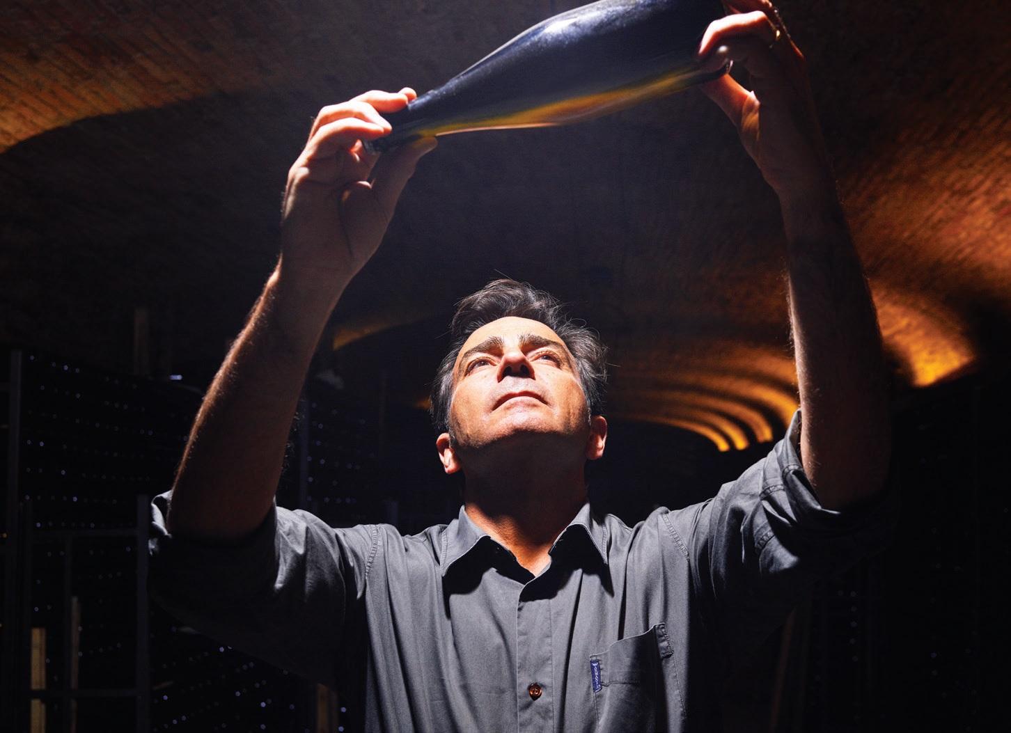 Cava brandinimo Finca La Fideura vynuogyno dirvožemis su mielėmis procesas