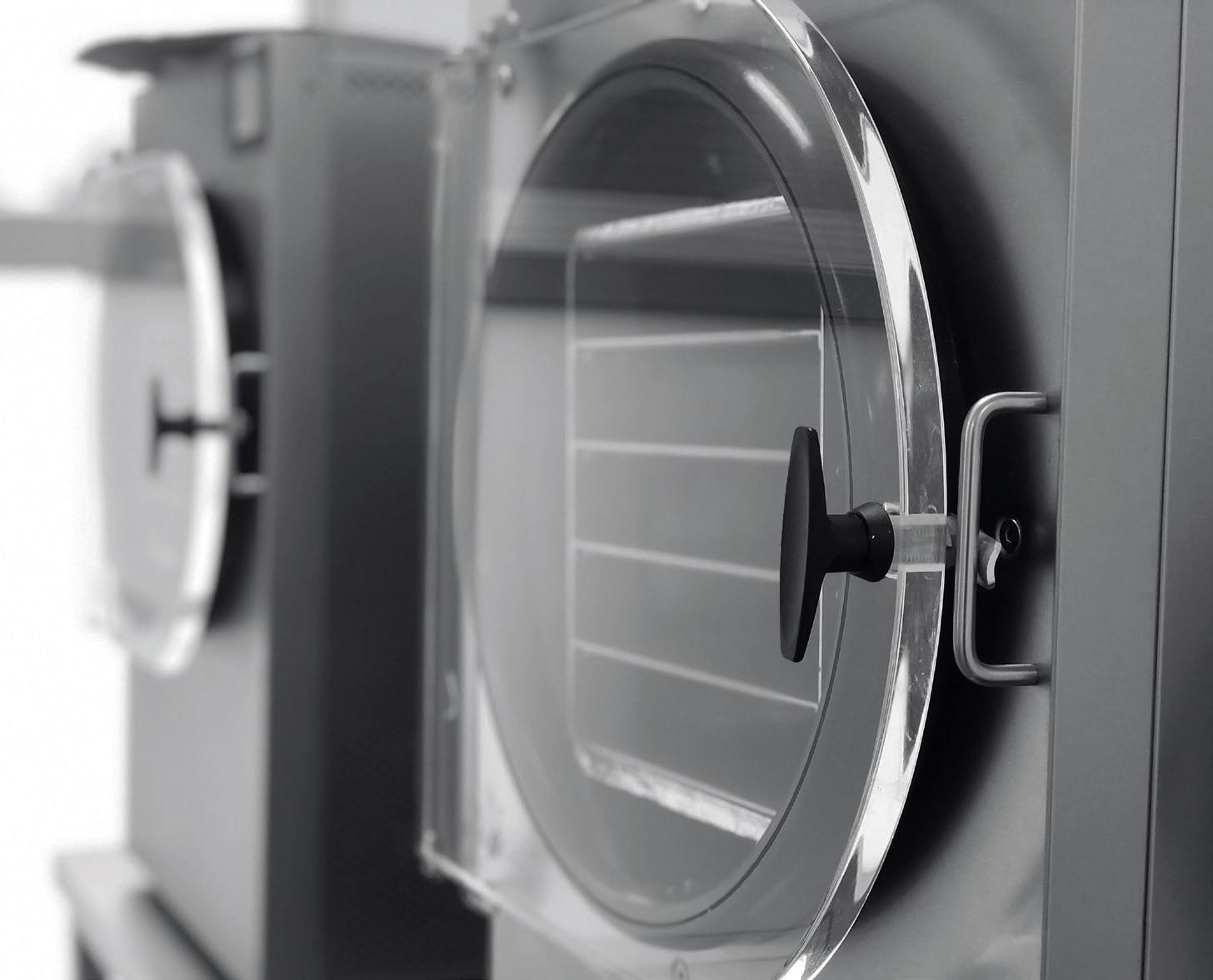 Nesvarbu, koks produktas liofilizuojamas, pirmiausia jis užšaldomas iki –80 °C temperatūros, o tada specialiame aparate, liofilizatoriuje, vakuumu iš jo ištraukiama drėgmė