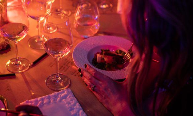 """""""Apvalaus stalo klubas"""" Trakuose gurmanams kalbėjo apie atsakingo valgymo filosofiją"""