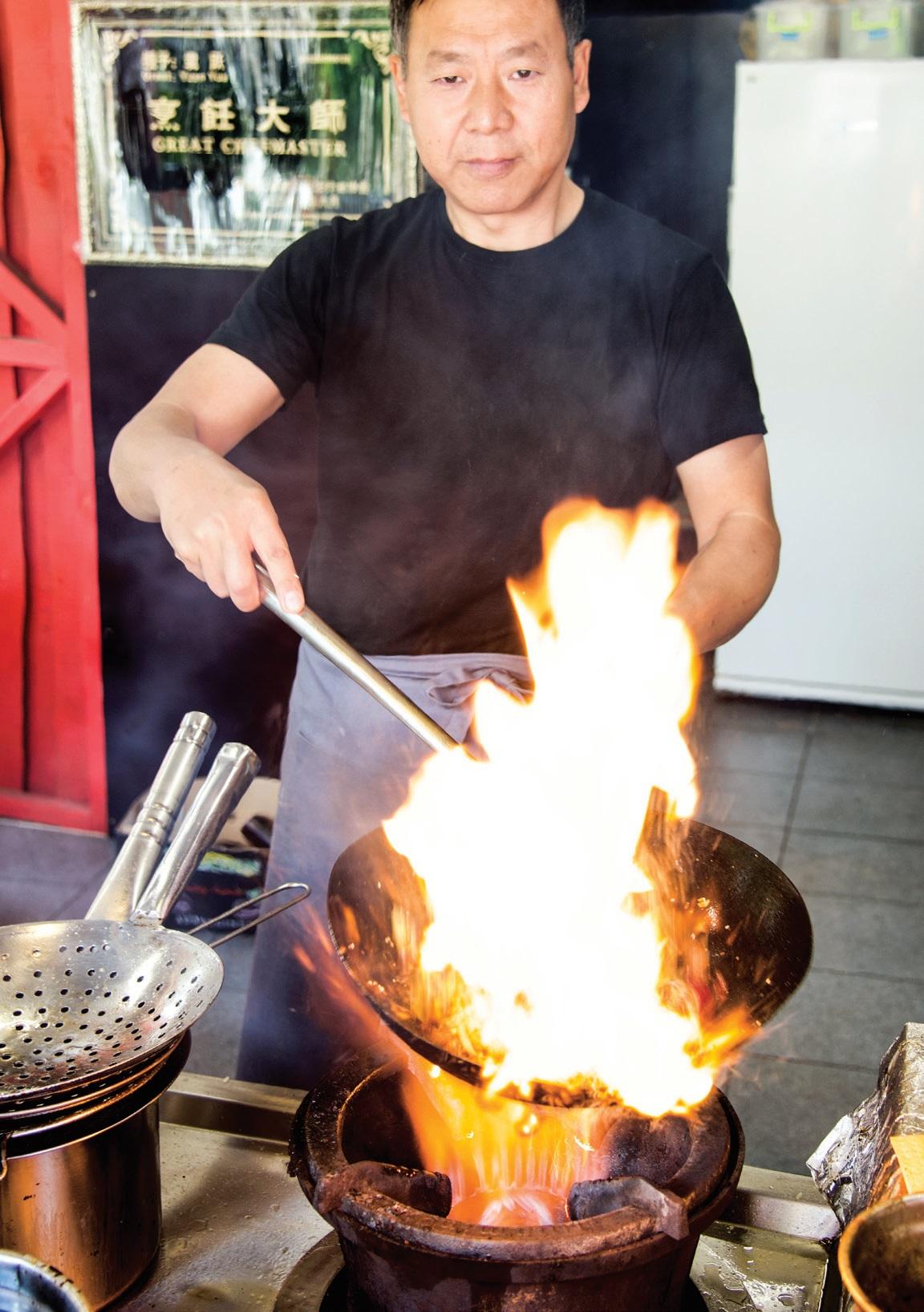 """Azijos ir Tailando virtuvių meistras iš Kinijos """"Nendrinės pastogės"""" svečius džiugina savo egzotiškais patiekalais"""