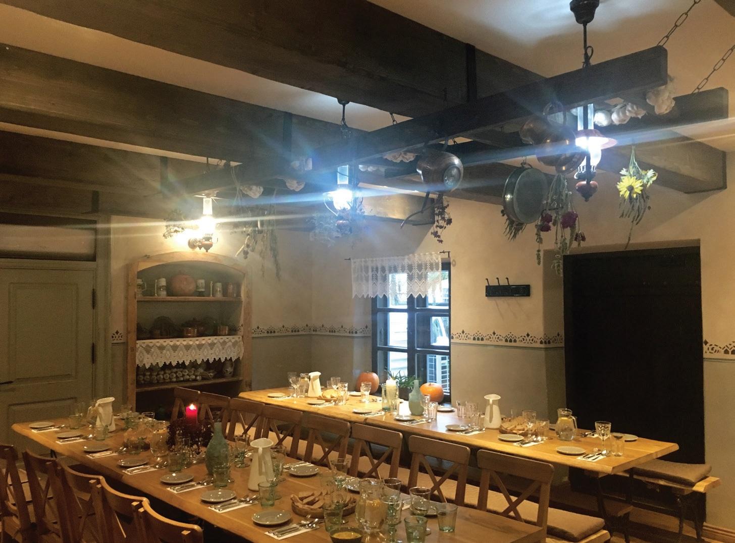 """Zyplių dvaro restoranas """"Kuchmistrai"""" kviečia paskanauti vietinių ir istorinių bajoriškų patiekalų"""
