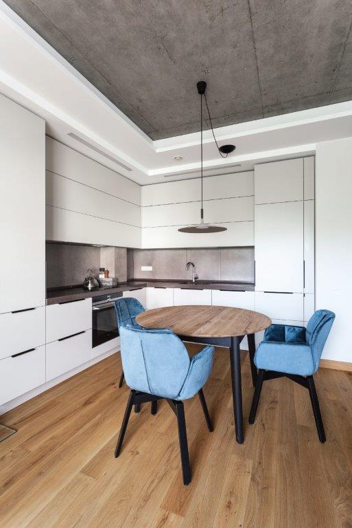 Virtuvę gali paįvairinti ir minkštųjų baldų komplektas (diz. Dalius Razauskas)