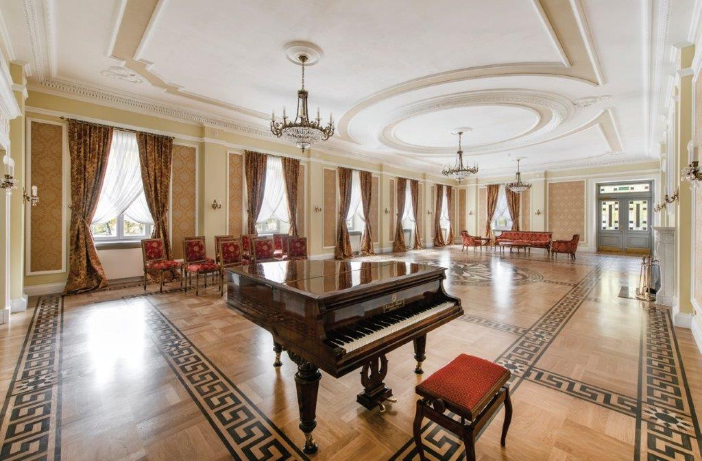 Didieji apartamentai etu telpa 130 svečių