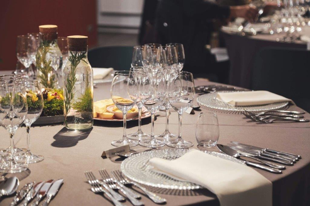 """Restorane """"Greita sraigė"""" daroma daug maisto, vyno degustacijų, taip pat rengiami įvairūs teminiai vakarai, skirtingų šalių virtuvių pristatymai"""