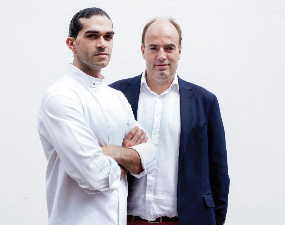 Šefas Jozefas Youssefas (kairėje) ir prof. Charlesas Spence'as (dešinėje)