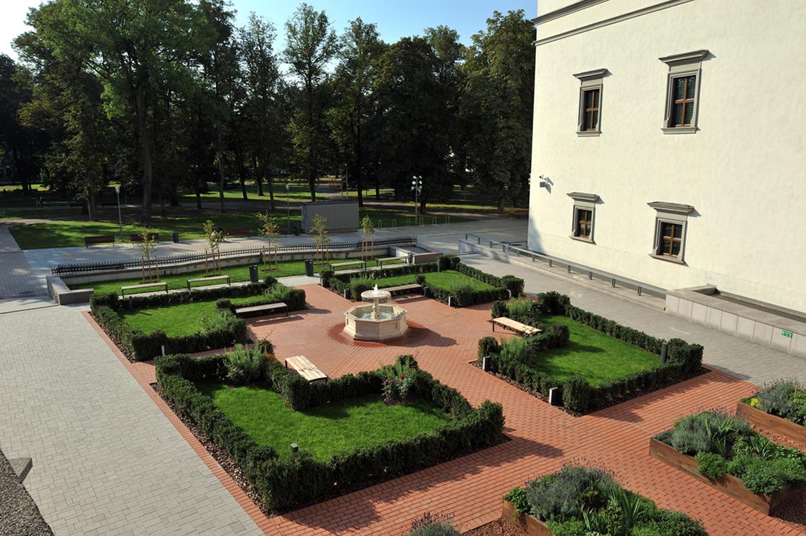 Valdovų sodas (1)