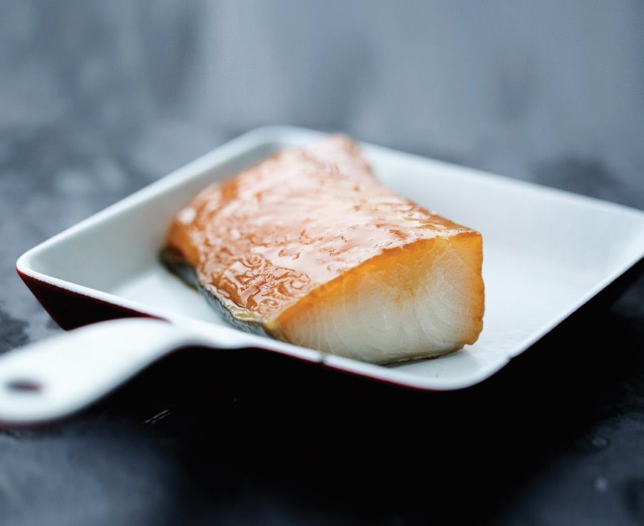 Prabangaus restorano patiekalui – Miso padažu glazūruota Aliaskos juodoji menkė